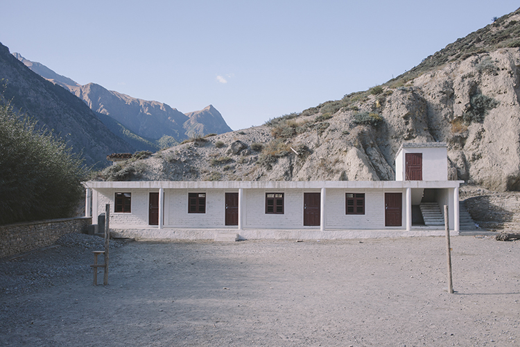 18_the_otherside_of_annapurna_