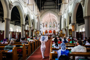 002_Sunday-service-at-the-Holy-Trinity-Cathedral,-Yangon